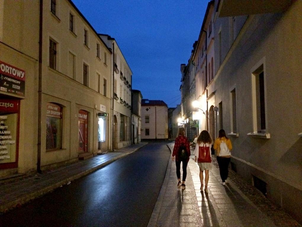 Brodnica nocą- sistersm (1)